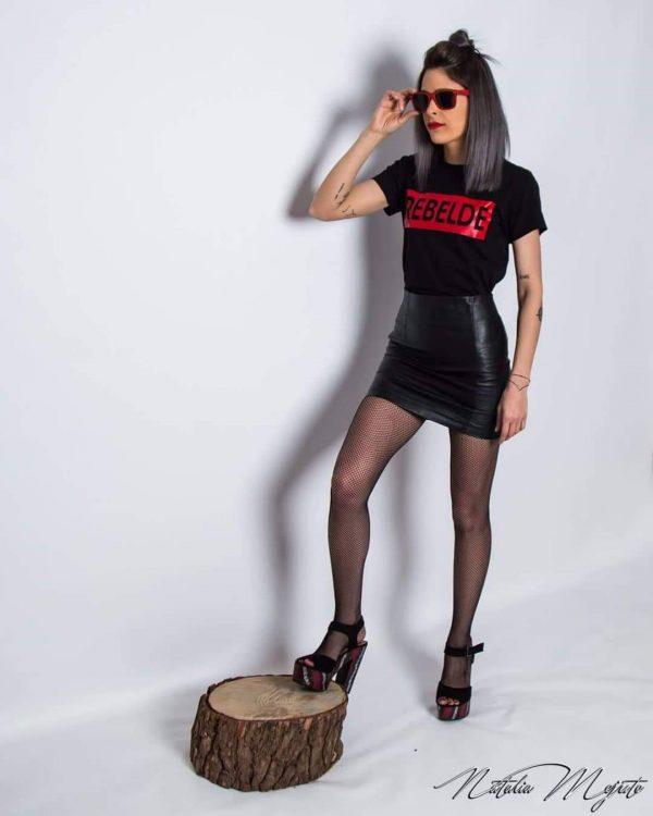 Camiseta Rebelde Muy Entallada